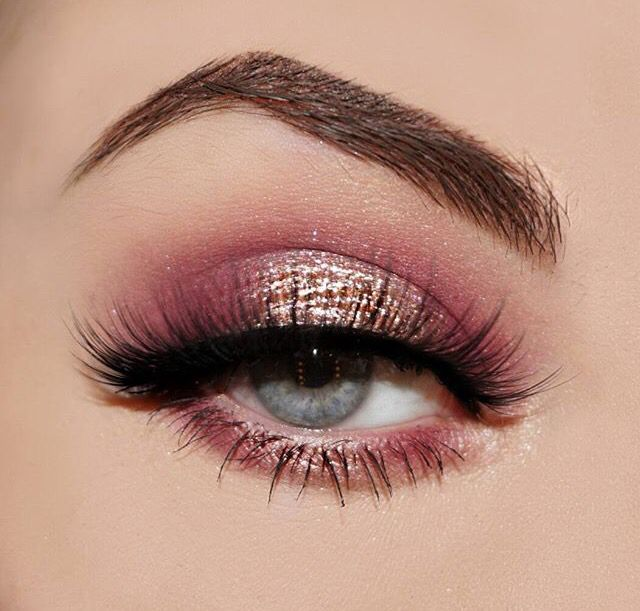 Cute makeup styles for pink dress